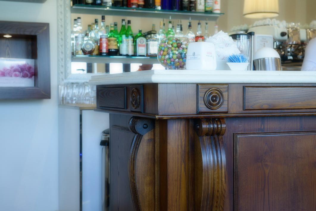 La suissa 11 astor arredamenti for Astor arredamenti bar