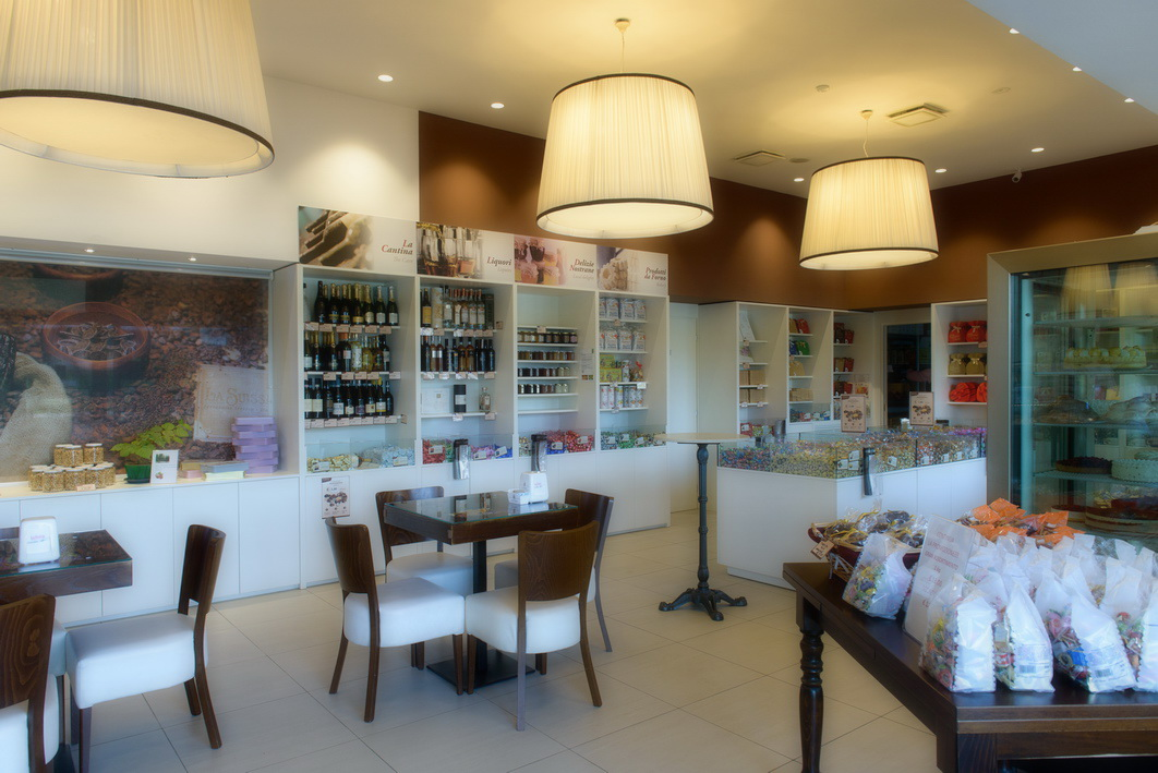 La suissa 60 astor arredamenti for Astor arredamenti bar