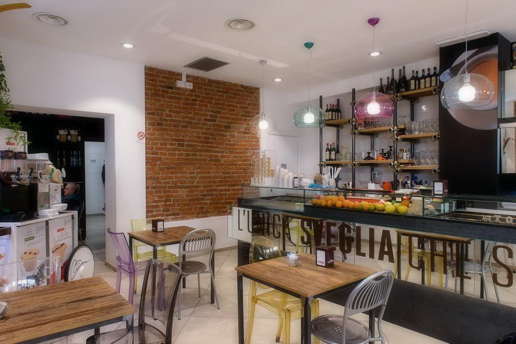 Arredamenti alessandria elegant banchi bar compra in for Astor arredamenti bar