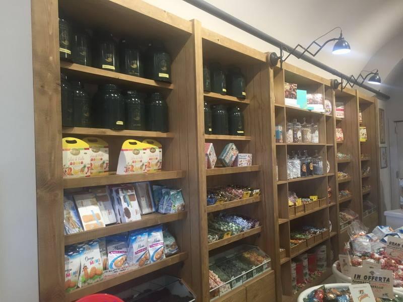 Arredamento caffetteria torrefazione palli genova astor for Astor arredamenti bar