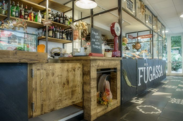 Arredamenti bar ristoranti negozi piemonte astor arredamenti for Negozi arredamento piemonte